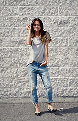 Lena Antonacci - Ardene Distressed Boyfriend Fit Jeans - Finding the perfect boyfriend