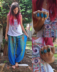 Sarah Nicola Louise - Adorned Turquoise Rings, Stradivarious Embroidered Hamsa Vest, Adorned Peacock Print Harem Pants - RING A DING DING