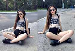 Leonarda Eufemia - Black Fedora Hat, Black Lennon Glasses, 90's Tattoo Choker, See Through Floral Top, Basic Black Tank Top, H&M High Waisted Black Shorts, H&M Leopard Print Belt, Underground Uk Creepers, Leather Back Pack - A Very 90's Summer