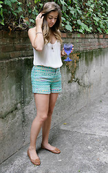 Naz Isik - Anthropologie Shorts, Tory Burch Flats, Zara Tank - Neon Shorts