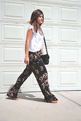Carolina Hellal - Mossimo White Top, Acid Reign Wash Pants, Forever 21 Strap Sandals, Love Culture Quilted Bag - ACID WASH TWIST