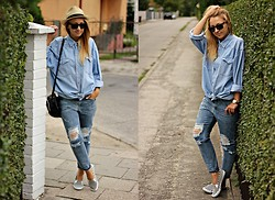 Emilia Błaszczyk - Frontrowshop Jeans, Second Hand Shirt, H&M Sneakers - Dżinsowy total look