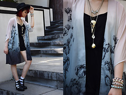 Sharley L. - H&M Black Romper, Lovisa Pastel Skulls, Hysteriamachine Crow Skull Necklace - Step by Step