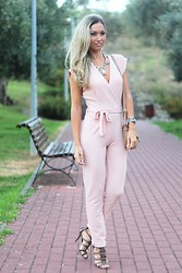 Style Statement By Cláudia - Missguided Jumpsuit, Nine West Sandals, Gucci Watch - JUMPSUIT MOOD