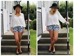Stina Mattsson - Cubus Blouse, H&M Shorts, H&M Shoes, Bikbok Hat - FLORAL BLUES