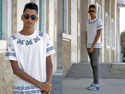Anass Louasfi - Giantvintage Sunglasses, Choies White Unisex T Shirt With Bandanna Print, April 77, Nike Air Max 90 - Man does what he can, But God what he want.