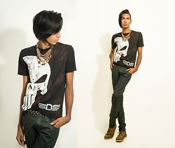 Yago Rodrigues - Justiceiro T Shirt, Clock House Skinny, Cinto, Dockside Shoes - New Collection of All D'Markas Gunslinger!