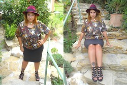 Manon MARCHETTI - New Look Hat, H&M Sweat, Primark Skirt, Primark Shoes - [ INSTINC ANIMAL ]