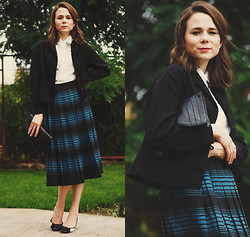 Anna T. - Vintage Chronometrage Cuff Blouse, Vintage Chronometrage Leatherette Clutch, Vintage Chronometrage Linen Jacket, Vintage Chronometrage Plaid Skirt, Zara Bow Tie Hills - Pre-fall