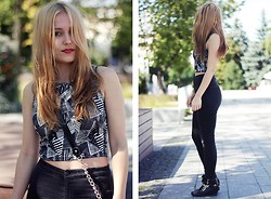 Kaja L -  - Crop top