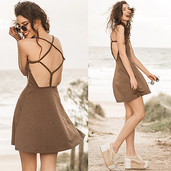 Elle-May Leckenby - Style Moi Mud Roped Back Dress - Hammock time