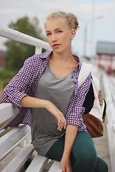 Arina Zabelina - Stradivarius Checkered Shirt, Mango Grey Tops, Roxy Backpack, Asos Leggings - Only sport!
