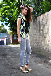 Eva - Cotton On Vest, Cotton On Body, Country Road Jeans, Shu Bar Heels - Weed vest