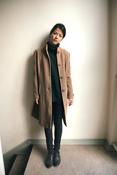 Elene H. - Vintage Coat, Pullover, Bershka Jeans, Oxfords - Saturation