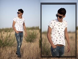 Karim Rizki - Marc By Jacobs Sunglasses, Zara, Pull & Bear And, Zealotries, Two Boxs - ☼ The bird is the word ☼