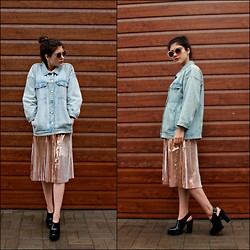 Iana Madeiski - Minkpink Sunglusses, Monki Jean Jucket, Weekday Skirt, Zara Shoes - Gold autumn