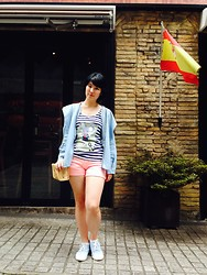 Anastasia Goenawan - Gowigasa Jeans Parka, Pull & Bear Stripes Tanktop, Bershka Shorts, Muji Blue Sneakers - Pink out of the blue