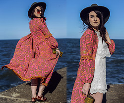 Rachael Dobbins ♡ - Little Hill People Feather Clucth, Hearts And Bows Embroidered Playsuit, Zerouv Oversized Sunglasses, Frolicking With Clementine 70's Duster   Kimono - 70's Paisley ✌ ☮