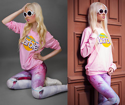 Oksana Orehhova - Romwe Sweatshirt, Romwe Leggings - GALAXY BARBIE