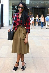 Monroe Steele - Forever 21 Plaid Shirt, H&M Skirt, Alexander Wang Shoes, Monroe Handchain - NEW YORK FASHION WEEK #OOTD