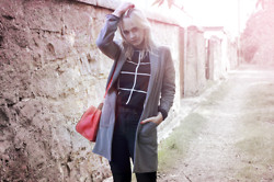 Alix T. - New Look Checkered Sweater, New Look Duster Coat, New Look Red Bag - Classic in Edinburgh