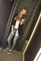 Arina Zabelina - Pull & Bear Jeans, Pull & Bear Tops, Pull & Bear Blazer, Pull & Bear Shoes, Swatch Watches - Total Pull&Bear look