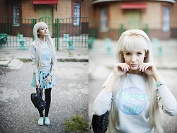 Natalie Elmo Feo - Mr. Gugu & Miss Go Skirt, Vans Sneakers, Oggi Sweater, Bershka Backpack - You want romance?