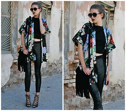 Yulia Sidorenko - Lookbookstore Leather Pants, Zara Heels, Chic Wish Fringe Bag, Sinsay Sunglasses - Japan inspires