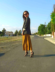 Melina Vou - Vintage Culottes, Asos Gladiator Heels, Zara Blazer - A Whole (cu)Lot(te) of Love