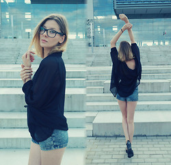 Justyna Ż. - Secondhand Shorts, Numph Shirt - The Law Of One