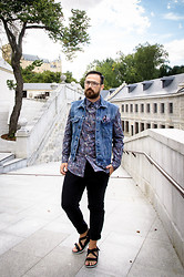 Jeffrey Herrero - H&M Shirt Liberty X Capsule Collection, Zerouv Glasses, Zara Meggings - Liberty x H&M
