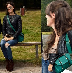 PanDóra Máté - Zara Leather Jacket, Asos Emerald Green Leather Bag, Denim&Co Diy Jeans, New Yorker Leopard Print Pullower, Salamander Boots, Vintage Sunglasses From London - Transylvania day 3 - Saint Anne Lake