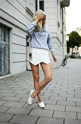 Lotta-Liina Love - Céline Crew Neck, Zara Skort, Topshop Python Slip Ons, Chanel Phone Case, Miss Selfridge Oversized Watch - #Bitchin
