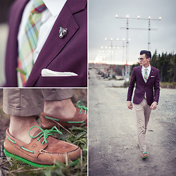 Chris Nicholas - Blackbird Lime Tie, Sperry Topsiders, Mont Pellier Grass Green Tie Bar, Indochino Herringbone Blazer - Purple and Green
