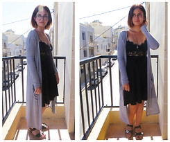 Chelsea Street - Black Moon Necklace, H&M Maxi Cardigan, Topshop Lace Bralet, Topshop Sliders, Stradivarius Midi Skirt - 19/09/14