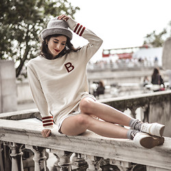 Elle-May Leckenby - Bwgh Sweater - Sitting on the ledge