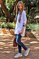 Nikki S - Adidas Shoes, Balenciaga Bag, Zara Shirt - White Shirt And Stan Smith Adidas