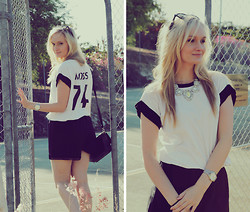 Izzy Bea - Mlm Sporty Tshirt, Chicabooti Trim Shorts, Adorne Statement Mirror Necklace - TOUCH OF OPULENCE