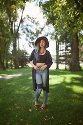 Vyvian To - Just Female Port Kimono, Just Female Pag Jeans, Lucky Brand Black Strap Flats, Free People Wide Brimmed Fedora - FINE LIKE WINE
