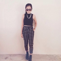 Edora Edz - Cotton On Drapey Pants, Factorie Turtle Neck Crop Top, Dr. Martens Dr Boots - All black all day