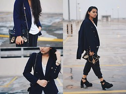 Richeen Siew - Fabspy Navy Blue Blazer, Topshop Over Sized Tee, Clutch, Online Store Black Chunky Boots - NAVY BLUE BLAZER