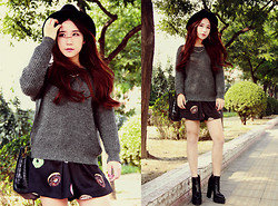 MIAODA CHEN -  - Sweater with skirt
