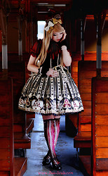 Elodie De Frise - Angelic Pretty Wonder Queen, Gothic Lolita Wigs Ombre Alexa In Blonde - I see things that nobody else sees ♫