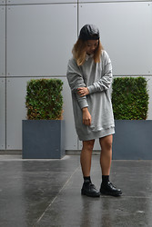 Kyleen Sanchez - Ebay Black Cap, Forever 21 White Button Up, H&M Sweater Dress, H&M Socks, Divided Black Shoes - Wednesday Walk