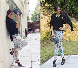 Simone Foster - H&M, Forever 21 Forever21, Sammydress, Jessica Buurman, Box Bag, H&M, New Look - Floral in Fall