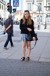 Mary Kate K. - Birkenstock Sandals, Zara Skorts, Mango Sweat - HAIM - Forever