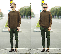 Daniil Shamatrin - Follow My Eyes Sweater, Follow My Eyes Trousers, Follow My Eyes Shoes - Urchin