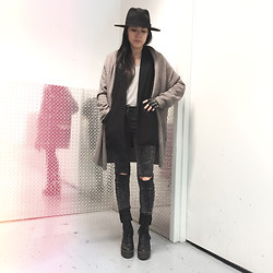 Vera Wong - Muji Cashmere Cardifan, Zara Dress Vest, Forever 21 Moto Jeans, H&M Wool Hat, River Island Knuckle Gloves - 2014 • 10 • 08