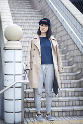 Samantha Mariko - Skyed Hat, Beauty And Youth United Arrows T Shirt, Uniqlo Trench Coat, Uniqlo Sweat Pants, Vans Shoes - Skyed apparel