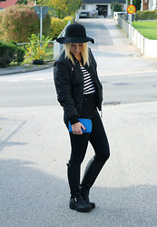 Stina Mattsson - Bikbok Hat, Monki Top, Only Bomber Jacket, Dr Denim Jeans, Johnny Bulls Boots - STRIPE